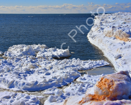 lake-michigan-ice-berg-2.jpg