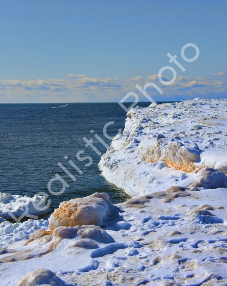 lake-michigan-ice-berg.jpg