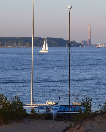 muskegon-lake-sailing.jpg